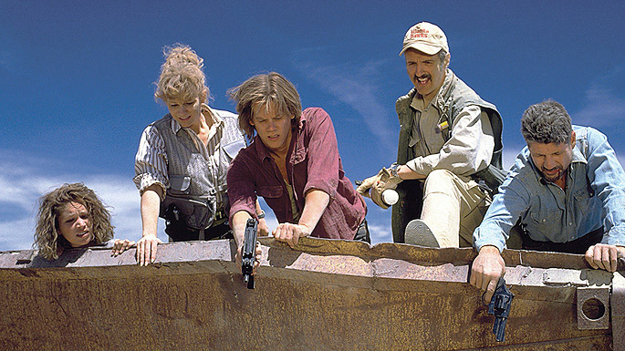 tremors-ron-underwood-kevin-bacon-3