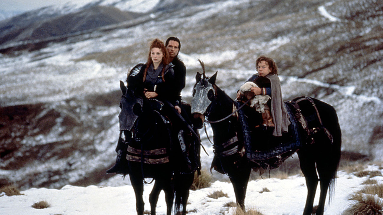 Willow (1988) Directed by Ron Howard Shown from left: Joanne Whalley, Val Kilmer, Warwick Davis (as Willow Ufgood)